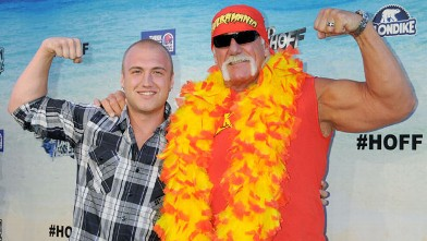 PHOTO: Nick Hogan and Hulk Hogan attend the Comedy Central Roast of David Hasselhoff held at Sony Pictures Studios on Aug. 1, 2010 in Culver City, California.