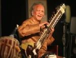 PHOTO: Sitar maestro Pandit Ravi Shankar perform in New Delhi, Dec. 5, 2009.