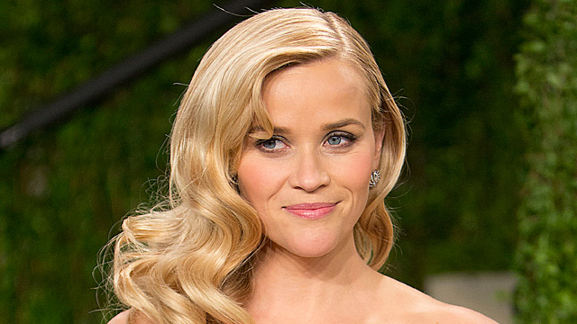 PHOTO: Reese Witherspoon arrives for the 2013 Vanity Fair Oscar Party, Feb. 24, 2013 in Hollywood, Calif.