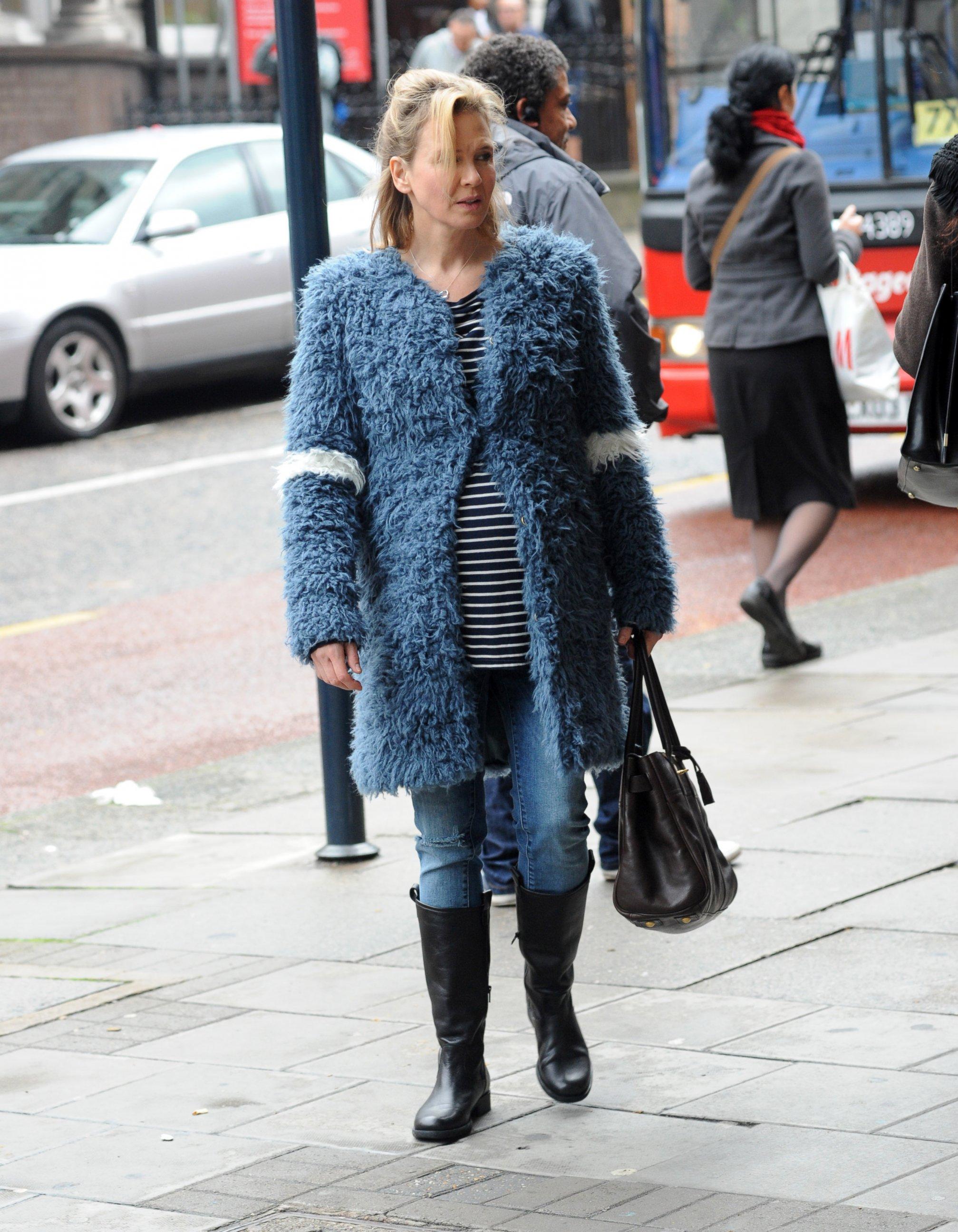 Renee Zellweger Sports a Baby Bump for Bridget Jones