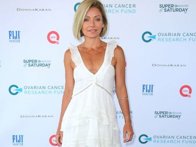 PHOTO: Kelly Ripa attends the Ovarian Cancer Research Funds Super Saturday NY on July 25, 2015 in Water Mill, N.Y.