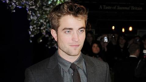 gty robert pattinson jp 111117 wblog Robert Pattinson: Breaking Dawn Sex Scene Revealed Too Much Butt