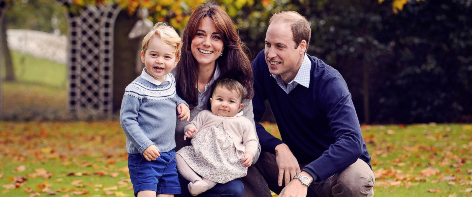 PHOTO:This photo released by Kensington Palace on Dec. 18, 2015 shows The Duke and Duchess of Cambridge with their two children, Prince George and Princess Charlotte, in a photograph taken late October 2015 at Kensington Palace in London.