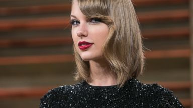 PHOTO: Taylor Swift arrives to the 2014 Vanity Fair Oscar Party on March 2, 2014 in West Hollywood, California.