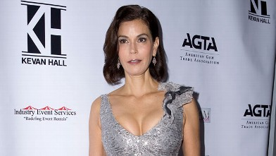 PHOTO: Actress Teri Hatcher attends fashion designer Kevan Hall's Spring 2013 Collection, Dec. 5, 2012 in Los Angeles, CA.