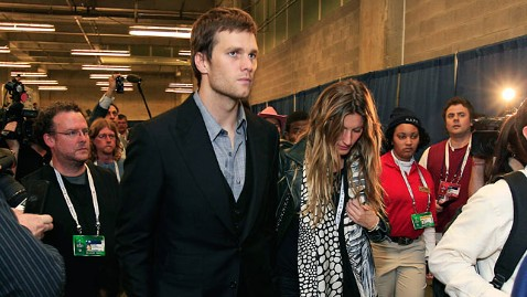 gty tom brady bundchen jp 120206 wblog Gisele Bundchen Curses Tom Bradys Super Bowl Loss