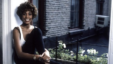 PHOTO: Whitney Houston sits for a portrait during a VH-1 Interview, Oct, 17, 1990.