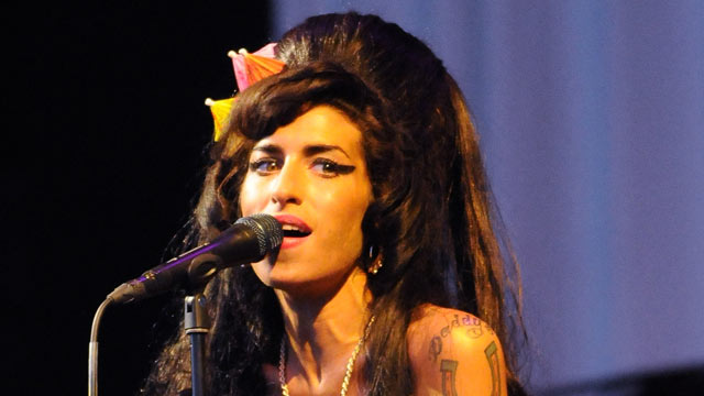 PHOTO: Amy Winehouse performs on the Pyramid stage during day two of the Glastonbury Festival at Worthy Farm, Pilton, June 28, 2008 in Glastonbury, Somerset, England.