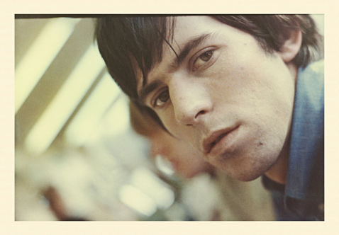 ht Keith Richards Untitled 65 ll 120927 wblog Found: Unseen Photos of the 1965 Rolling Stones