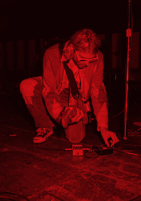 ht Kurt Cobain Kneeling Red ll 120323 vblog The End of the Life of a Rock Star: Kurt Cobain