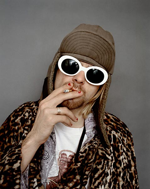 ht Kurt Cobain Smoking A ll 120323 vblog The End of the Life of a Rock Star: Kurt Cobain