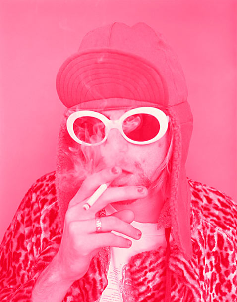 ht Kurt Cobain Smoking B Pink ll 120323 vblog The End of the Life of a Rock Star: Kurt Cobain