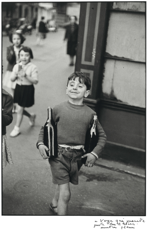 ht Rue Mouffetard 1954 blog Rare Photos by Henri Cartier Bresson to Be Auctioned
