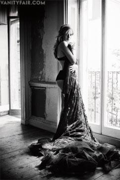 ht amanda seyfried kb 121121 wblog Amanda Seyfrieds Sexy Vanity Fair Spread