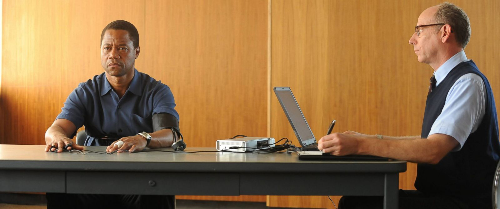 """PHOTO: Cuba Gooding, Jr. and Joseph Buttler appear in """"The People v O.J. Simpson: American Crime Story,"""" airing on Feb. 2, 2016."""