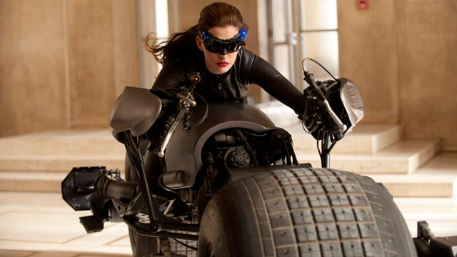 PHOTO: Anne Hathaway as Catwoman