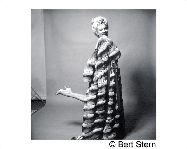 ht bert stern marilyn monroe fur 130503 wblog The Original Mad Man
