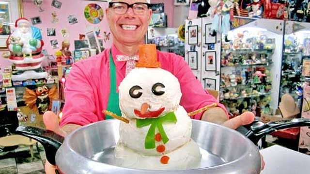 PHOTO: Charles Phoenix created a cheese snowman that melts to create a cheese dip.