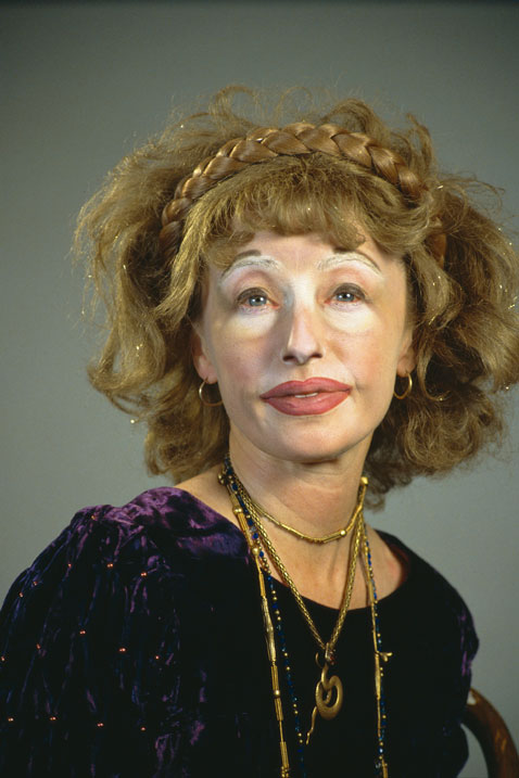 ht cindy sherman untitled359 dm 120307 vblog The Many Faces of Artist Cindy Sherman: Reflecting on Gender Roles