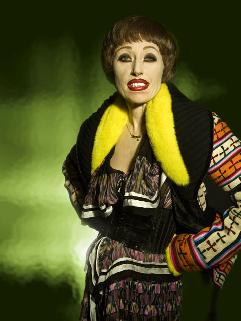ht cindy sherman untitled458 dm 120307 vblog The Many Faces of Artist Cindy Sherman: Reflecting on Gender Roles