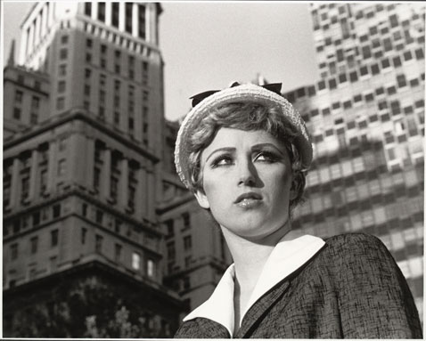 ht cindy sherman untitledfilmstill21 dm 120307 wblog The Many Faces of Artist Cindy Sherman: Reflecting on Gender Roles