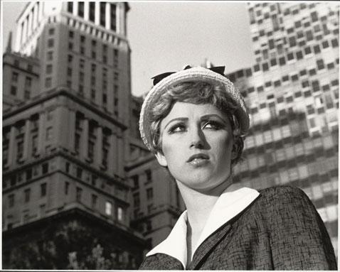 ht cindy sherman untitledfilmstill21 dm 120307 wblog The Many Faces of Artist Cindy Sherman: Reflecting on Gender Roles
