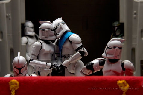 ht cloned photos 02 nt 120706 Star Wars Troopers Used by Photographer David Eger to Recreate Iconic Images