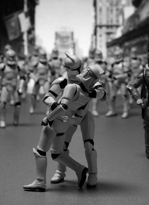 ht cloned photos 06 nt 120706 Star Wars Troopers Used by Photographer David Eger to Recreate Iconic Images