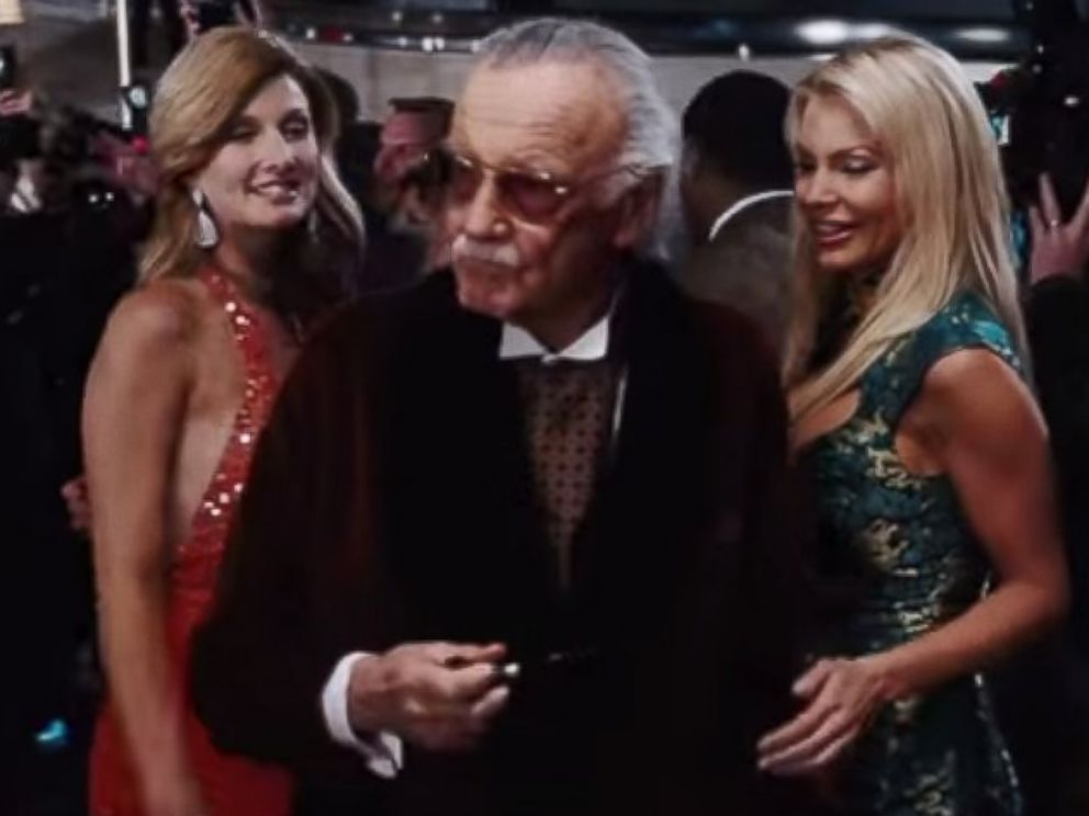 PHOTO: Stan Lee makes a cameo appearance in Iron Man.