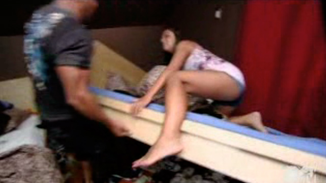 PHOTO: Ronnie destroys Sammi's belongings
