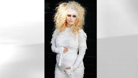 ht jessica simpson pregnana thg 111031 wblog Jessica Simpson Announces Pregnancy