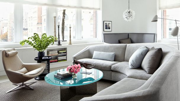 PHOTO: The living room of actress Julianna Margulies, as pictured in the Feb. 2014 issue of Architectural Digest.