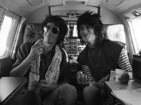 ht keith richards ron wood learjet ll 111227 wblog Unpainted Faces
