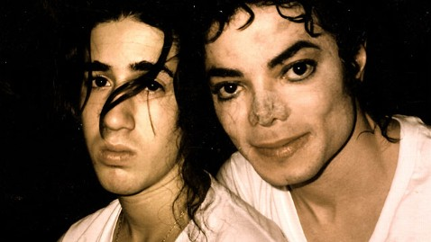 ht michael jackson jef 111118 wblog Michael Jacksons Unheard Past: Pranks and Cleaning Sprees with Second Family