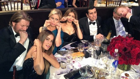 ht modern family mi 130114 wblog Tommy Lee Jones Had the Best Meme of the Golden Globes