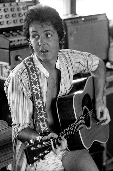 ht paul mccartney ll 111227 vblog Unpainted Faces