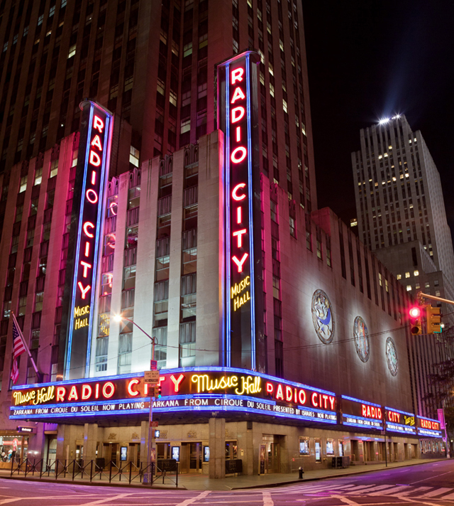 ht radio city music hall james karla murray new york nights lpl 130205 blog PHOTOS: Neon New York Nights