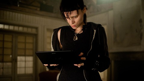ht rooney mara girl with the dragon tattoo ll 111219 wblog Could Dragon Tattoo Flop Doom Film Franchise?