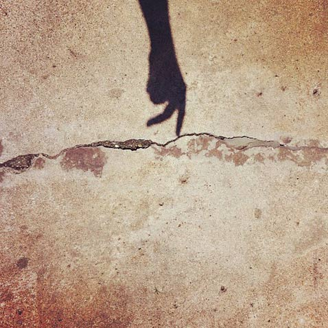 ht shadow hand brock davis ll 130115 wblog Instagram Art: Brock Davis Whimsical iPhone Photos