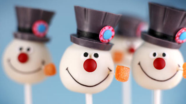PHOTO: Bakerella's snowman cake pops are shown here.