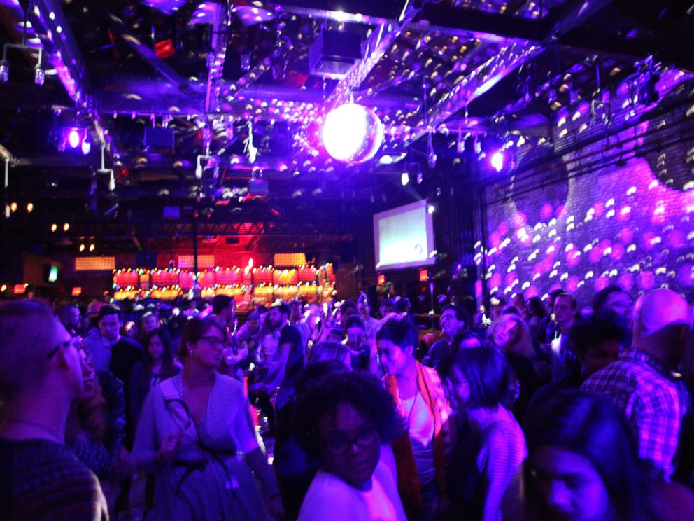 PHOTO: The crowd during Wooden Wisdoms set is pictured at Brooklyn Bowl in Brooklyn, N.Y. on Jan. 19, 2015.