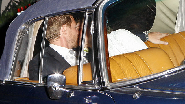 PHOTO: Drew Barrymore and Will Kopelman kiss while their wedding reception at 2 am in a vintage Mercedes Benz in Montecito, California, June 3, 2012.