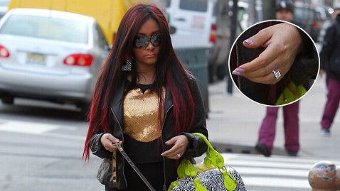 inf snookie ring jp 120306 wblog Jionni LaValle: Who Is Snookis Rumored Fiance?