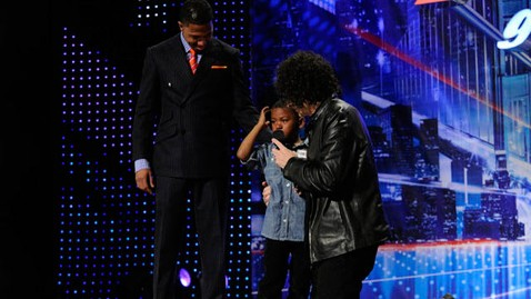 nbc howard stern mir money jef 120522 wblog Howard Stern Makes Kid Cry on Americas Got Talent
