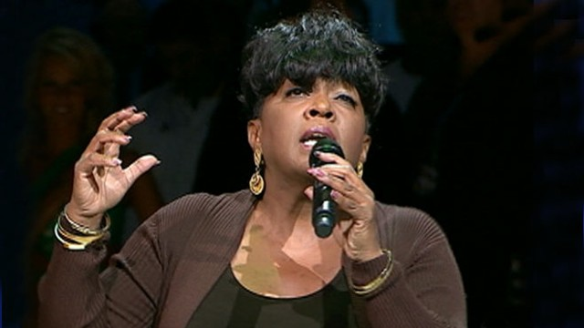 VIDEO: Twitter users blast Anita Baker's singing of the Star-Spangled Banner.