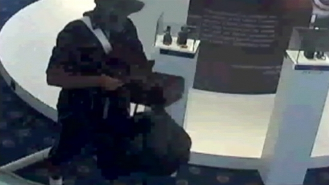 VIDEO: Jewelry Heist Caught on Tape
