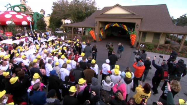 """VIDEO: Ty Pennington and """"GMA"""" helped renovate the Memory Makers Building for the charitable organization."""