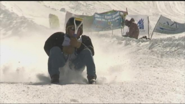 VIDEO: Annual Shovel Racing World Championships Held