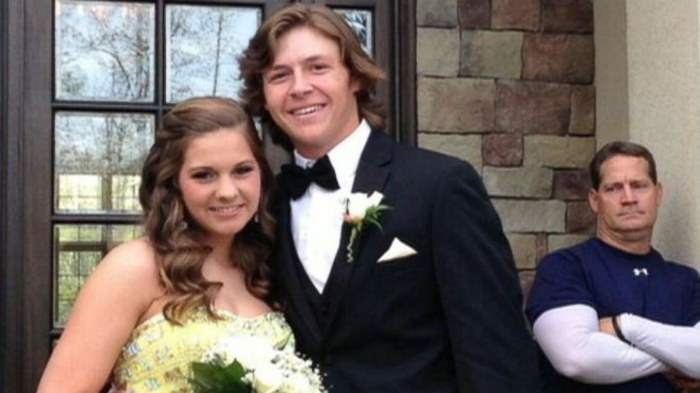 VIDEO: Prom Photobomb Goes Viral