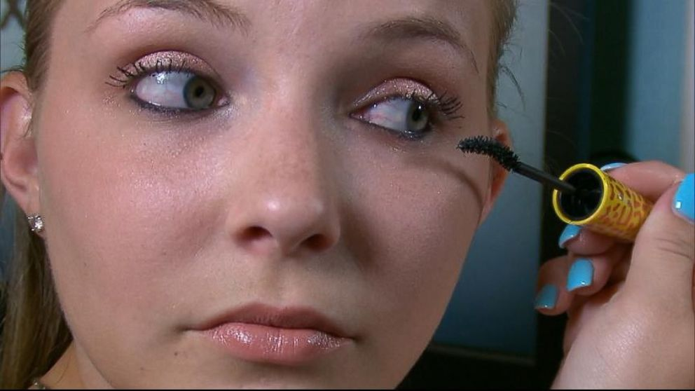 VIDEO: Amy Schavolt believes the mascara ruined her eyelashes when she tried to remove it.